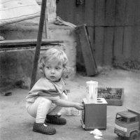 Маленькая хозяюшка :: Сергей Тарабара