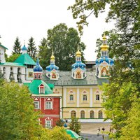Главная площадь монастыря. :: Олег Попков