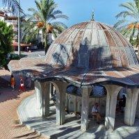 Хауз -перед входом в мечеть . :: Лара ***