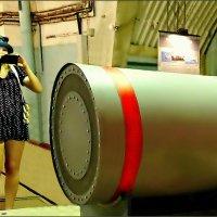 Девушка и ядерная боеголовка :: Кай-8 (Ярослав) Забелин