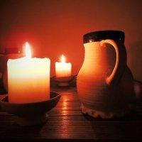 Здесь можно выпить молоко,погреться пламенем свечи.. :: Елена Ом