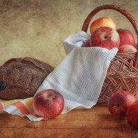 Натюрморт с яблоками :: Оксана Анисимова
