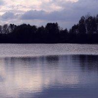 Синее  озеро.... :: Валерия  Полещикова