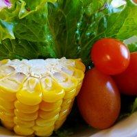 Вегетарианский обед в ресторанчике :: Tatiana Belyatskaya