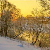 Золото зимнего восхода :: Юрий Спасенников
