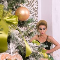 Кукла у елки :: Анна Кокарева