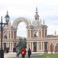 . Галерея с  воротами :: Виталий Селиванов