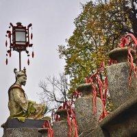 Скульптура китайца на Большом китайском мосту. :: Марина Волкова