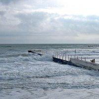 Море штормит ( 2 ) :: Людмила