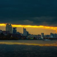 Этот город в огне :: Artem Zelenyuk