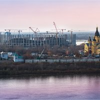 Вид на Стрелку и строительство стадиона «Нижний Новгород» к чемпионату мира по футболу FIFA-2018 :: Ирина Лепнёва