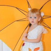 Жёлтый зонт. :: A. SMIRNOV