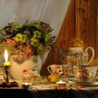 При свечах, в старом доме, как прежде... :: Валентина Колова