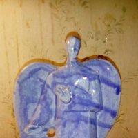 Керамический ангел из мастерской Владимира Атабекяна (Петербург). :: Светлана Калмыкова