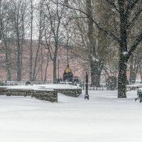 Снегопад в Мини-городе :: Valerii Ivanov