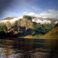 Фьорд в Норвегии :: Лара Амелина