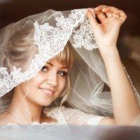 невеста в окне автомобиля :: Татьяна Афанасьева
