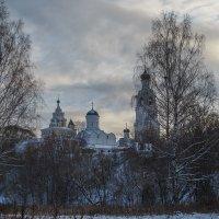 Вид на монастырь :: Сергей Цветков