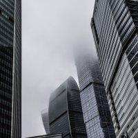 Небоскрёбы в облаках 2 :: Сергей Козырев