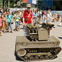 Сын хочет такую игрушку... С пультом!!! :: Кай-8 (Ярослав) Забелин
