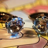 Бриллиантовые запонки... Блин, а  меня все манжеты с пуговицами:) :: Андрей Заломленков