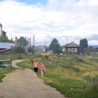 Прогулка по деревне :: Евгений Фирсов