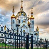Вечерний храм :: Юрий Шапошник