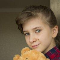 Девочка с мишкой :: Виктория Киселева
