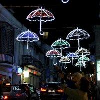Бабушка, я тебе зонтик достану :: Татьяна Ломтева