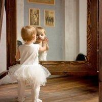 Свет мой зеркальце скажи... :: Оксана Харламова