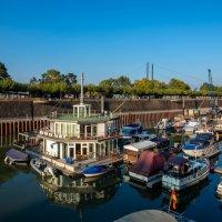 Маленький порт в одном из рукавов Рейна :: Witalij Loewin