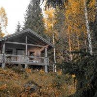 ...дом хрустальный на горе для неё... :: Сергей Долженко