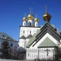 Феодоровский собор и Церковь Новомучеников и Исповедников Российских :: Елена Павлова (Смолова)
