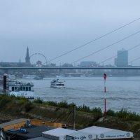 Дюсельдорф в тумане :: Witalij Loewin
