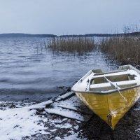 озеро и лодка :: Раф Аэль