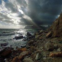 луч солнца мрак преодолев достиг заветных берегов... :: viton