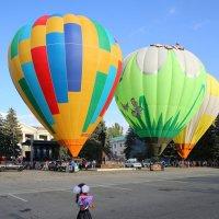 На празднике воздушных шаров... :: Vladimir 070549