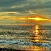Утро на море :: Vladimir Lisunov