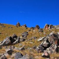 Следы современников на северном склоне Эльбруса... :: Vladimir 070549
