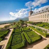 Эскориал - монастырь, дворец и резиденция короля Испании Филиппа II. :: Ирина Лепнёва