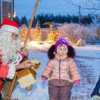 Дед Мороз, а что ыт мне принёс? :: Сергей Стюняков