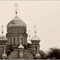 храм Успения Пресвятой Богородицы на набережной Лейтенанта Шмидта :: Galina Belugina