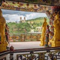 Буддизм и Католицизм рядом :: Илья Шипилов