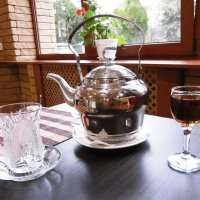 Рюмка чая на столе... :: татьяна