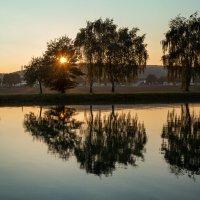 Вечер  у реки :: Leo Belov