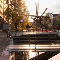 "Скульптура ""Галилео"" на Потсдамер Платц в Берлине :: Татьяна Каримова"