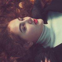 Девушка с рыжими волосами :: Елена Данько