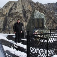 жертвам ледника Колка :: Вадим Бурмистров