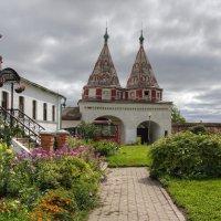 В Ризоположенском монастыре :: Константин
