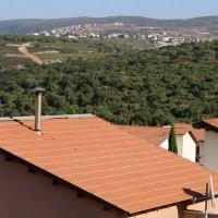 крыша — верхняя конструкция здания, которая служит для защиты от атмосферных осадков :: vasya-starik Старик
